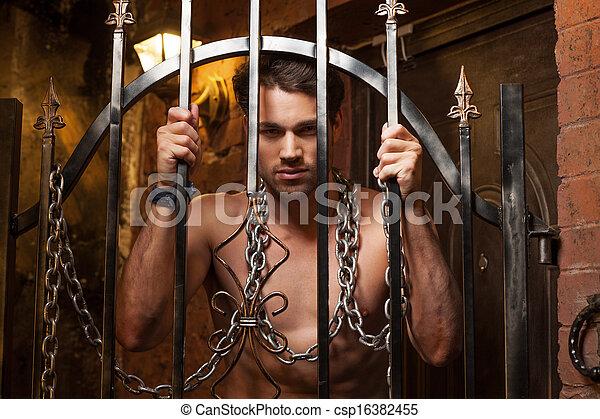 standing, gates., collo, catena, metallo, dietro, sexy, uomo - csp16382455