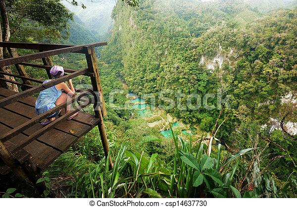 Aussichtspunkt auf Kaskaden Nationalpark in Guaatemala semuc champey - csp14637730
