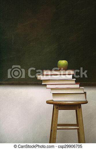 stapel, boekjes , krukje, appel - csp29906705