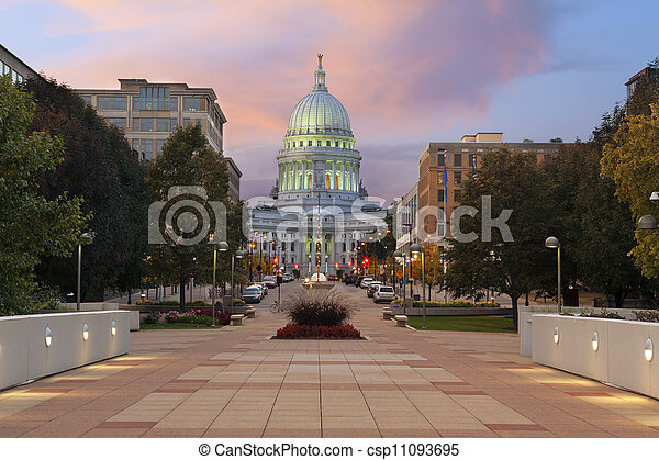 State capitol building, Madison. - csp11093695