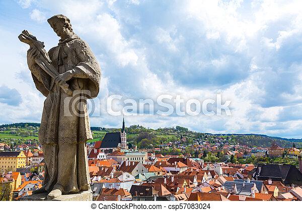 Statue ove Cesky Krumlov - csp57083024