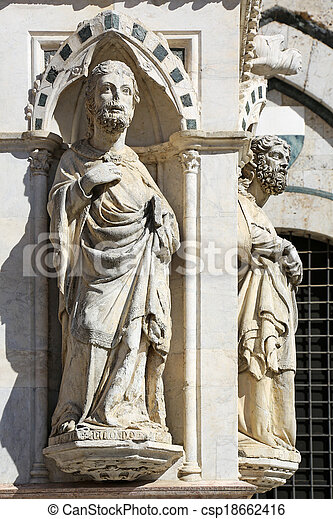 Statues Cappella di Piazza Siena - csp18662416