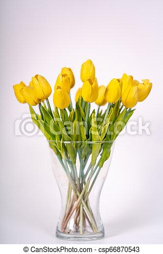 stehende , blumengebinde, blumenvase, gelber , tulpen - csp66870543