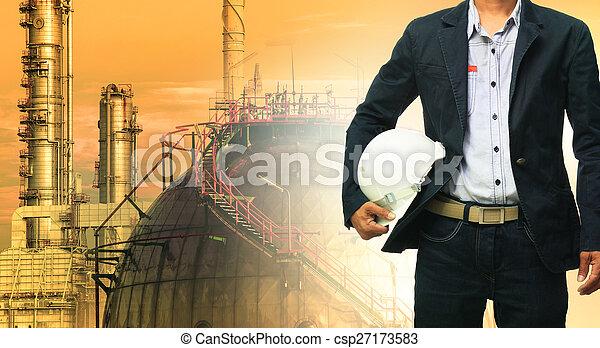 stehende , helm, oel, gegen, raffinerie, technik, sicherheit, mann - csp27173583
