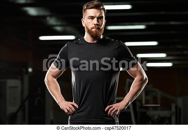 stehende , turnhalle, sport, posierend, ernst, mann - csp47520017