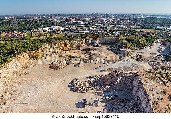 stein, steinbruch - csp15829410