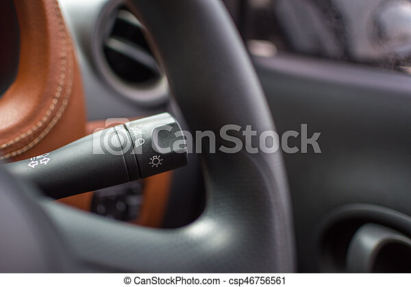 lampen auf knopf im auto