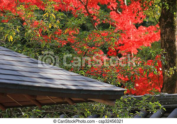 Japanisches Dach groß stil japanisches dach stockfoto bilder und foto