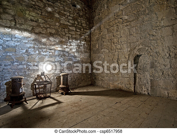 Still life in old room with shaft of light - csp6517958