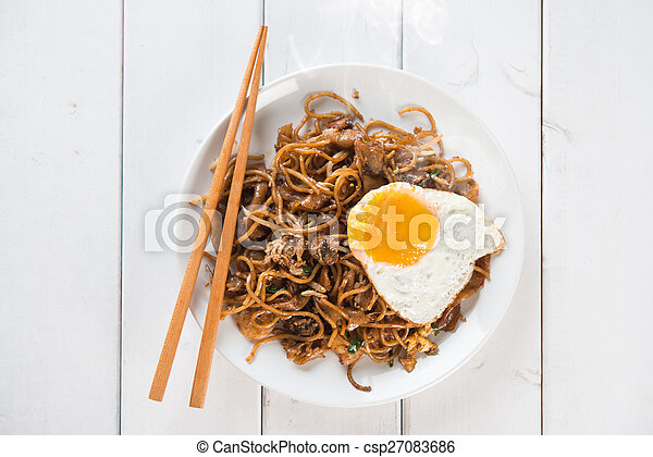 Stir fried Char Kuey Teow noodles - csp27083686