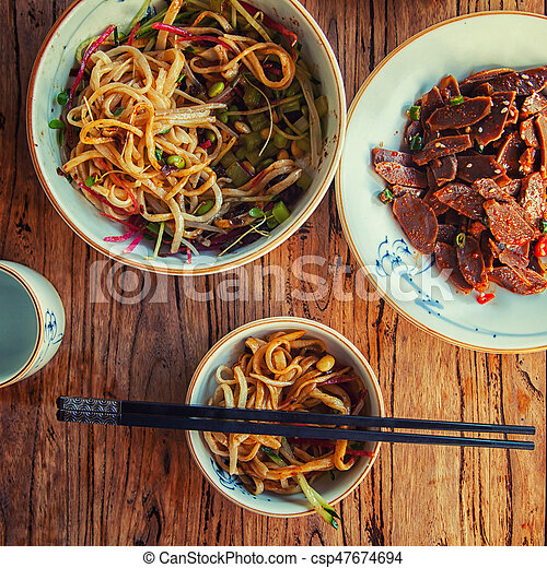 Stir-fried chinese noodles - csp47674694