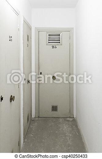 stockage, portes, fermé - csp40250433