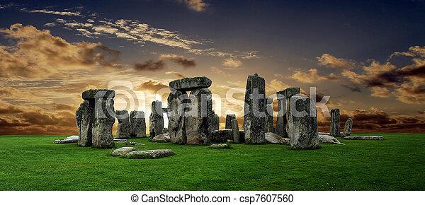 stonehenge - csp7607560