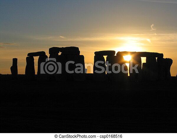 stonehenge, coucher soleil - csp0168516