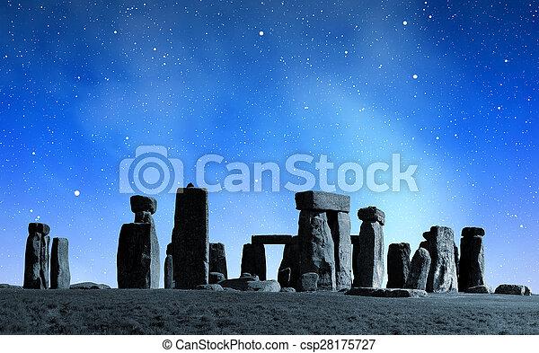 stonehenge - csp28175727