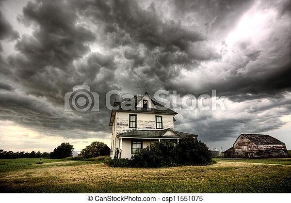 Storm Clouds Saskatchewan - csp11551075
