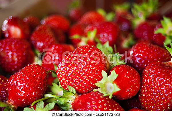 Strawberries 2 - csp21173726
