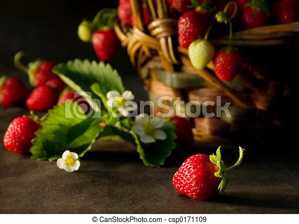 Strawberries (2) - csp0171109