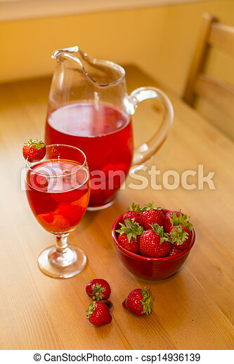 strawberry beverage - csp14936139