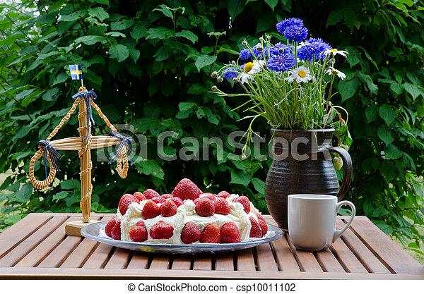 Strawberry cake at midsummer - csp10011102