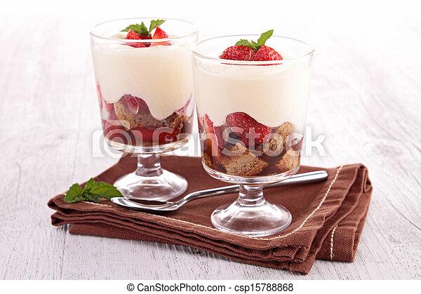 strawberry tiramisu - csp15788868
