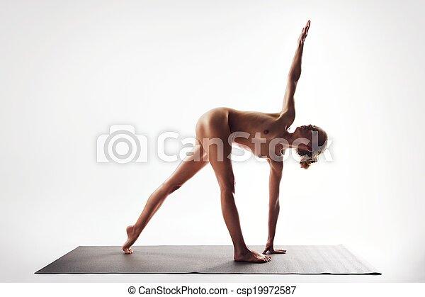 stretching, nudistes, jonge, omhoog - csp19972587