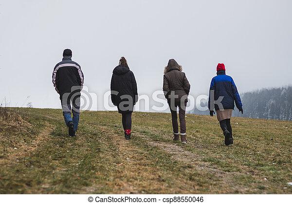 studený větrat, národ, stěna, skupina, chodit, venkov, skrz - csp88550046