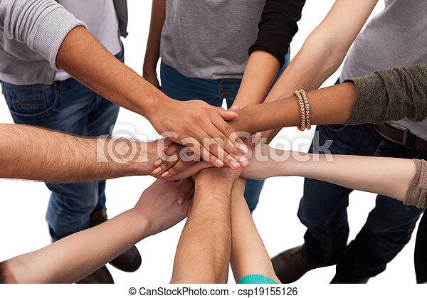 studerende, stakke, læreanstalt, hænder - csp19155126