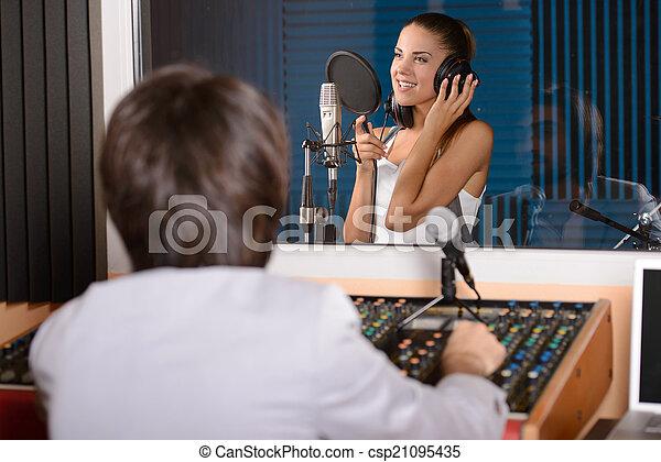 studio enregistrement - csp21095435
