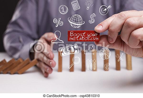 Negocios, tecnología, Internet y el concepto de red. Un joven hombre de negocios muestra la palabra - csp43810310