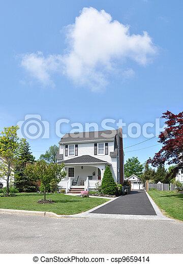 Suburban Home Driveway Front Yard - csp9659414