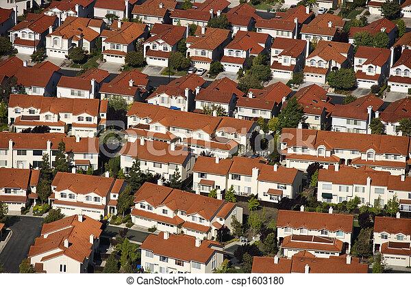 Aerial de suburbio. - csp1603180