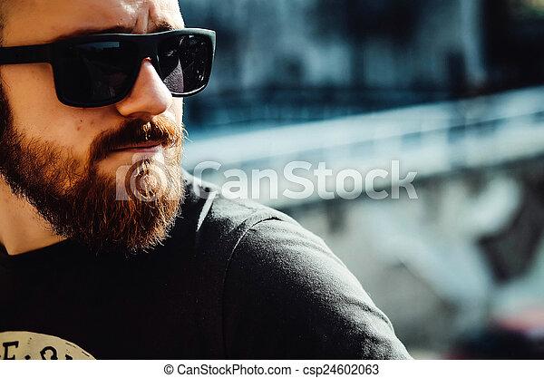 sujeito, barba, jovem, óculos - csp24602063