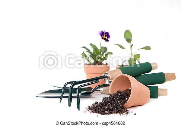 Suministros de jardinería con espacio de copia - csp4584682