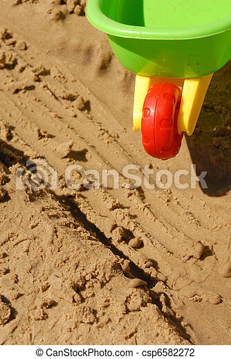 Summer time: Playing at the beach - csp6582272