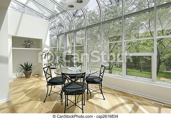 Sun room with ceiling windows - csp2616834