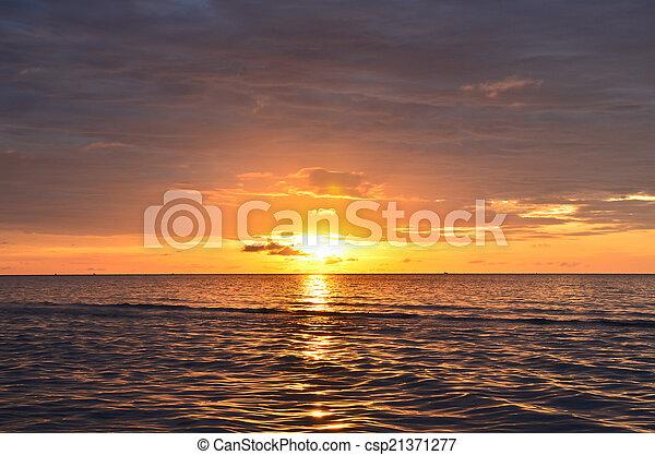 Sunrise over sea - csp21371277