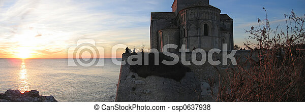 Sunset at the Talmont church above the sea, France, Panorama - csp0637938