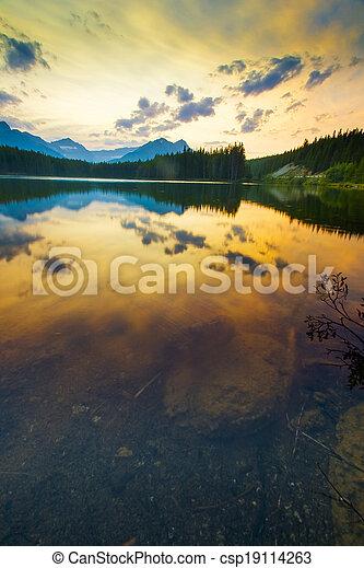Sunset on Herbert Lake, Banff - csp19114263