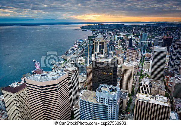 Sunset over the downtown skyline, in Seattle, Washington. - csp27560903