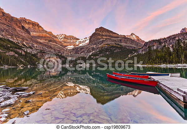 Sunst on the Mountains at Lake Ohara's Shore - csp19809673