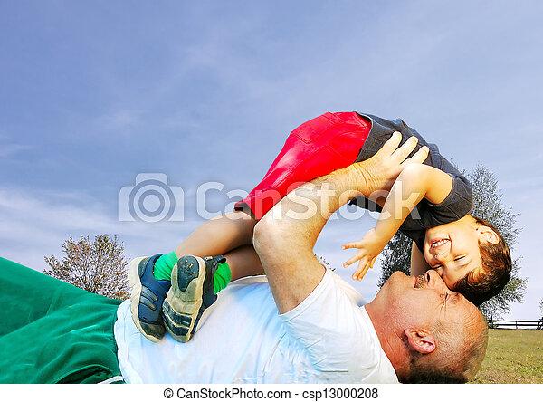 suo, posa, nonno, sorridente, erba, capretto - csp13000208