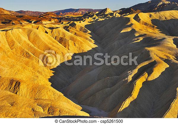 Superficial canyon. - csp5261500