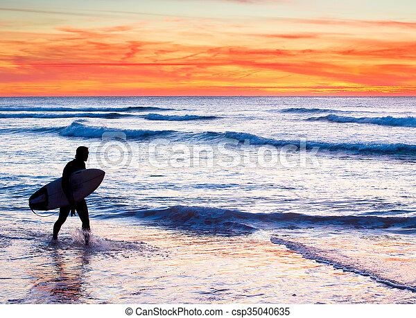 Surfer silhouette - csp35040635