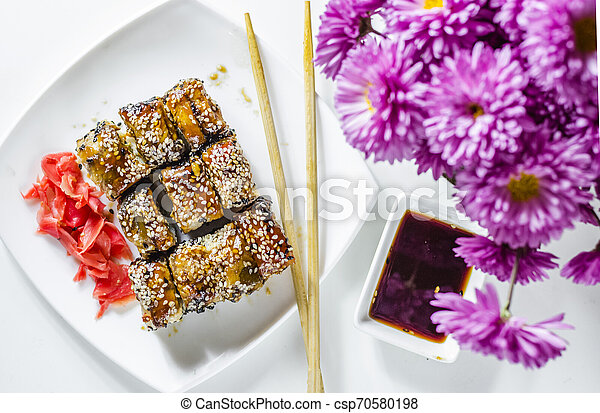 sushi roles japanese delicious food - csp70580198