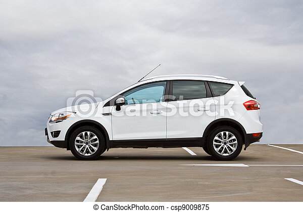 SUV side view - csp9009875