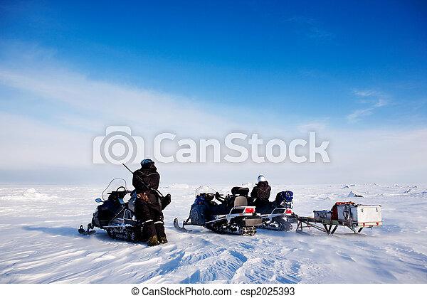 Svalbard Snowmobile Adventure - csp2025393