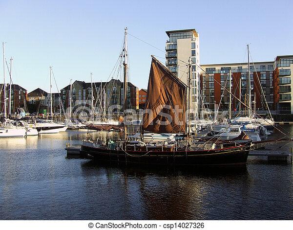 Swansea Harbour - csp14027326