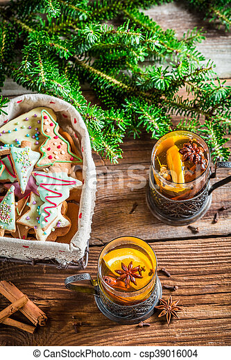 Sweet tea and gingerbread for Christmas - csp39016004