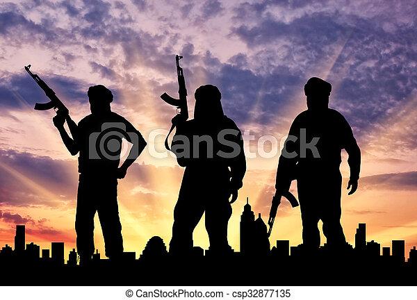 sylwetka, trzy, terroryści - csp32877135